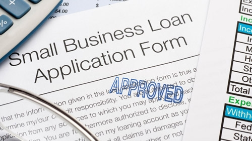 What Do Lenders Look At When Evaluating My Loan Application?