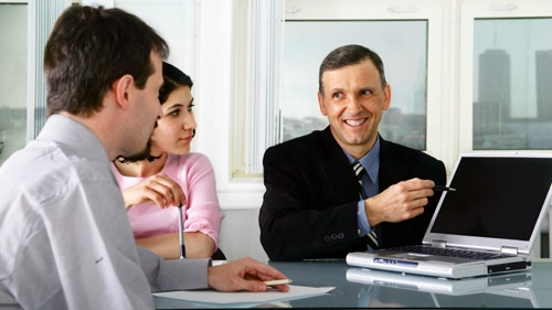 The Pros and Cons of Hiring Independent Contractors
