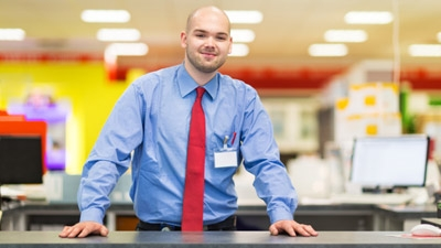 Are National Retailers Outpacing Locals on Customer Service?