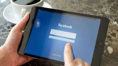 Using Facebook to Find High-Quality Employees