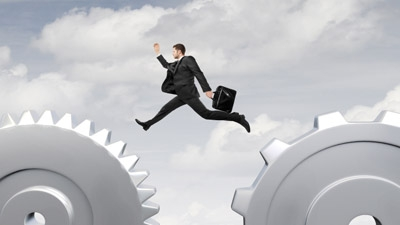 All In: When is the Right Time for Entrepreneurs to Take the Jump?