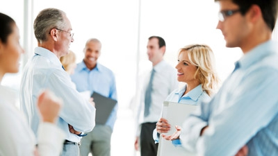 8 Basic But Effective Conversation Ice Breakers for Networking Events