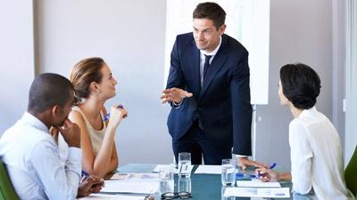 How Weak Leadership Impacts Customer Loyalty