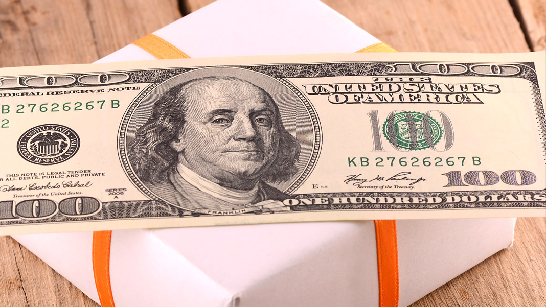 Gifts versus Cash: Which is More Effective as a Corporate Giveaway?