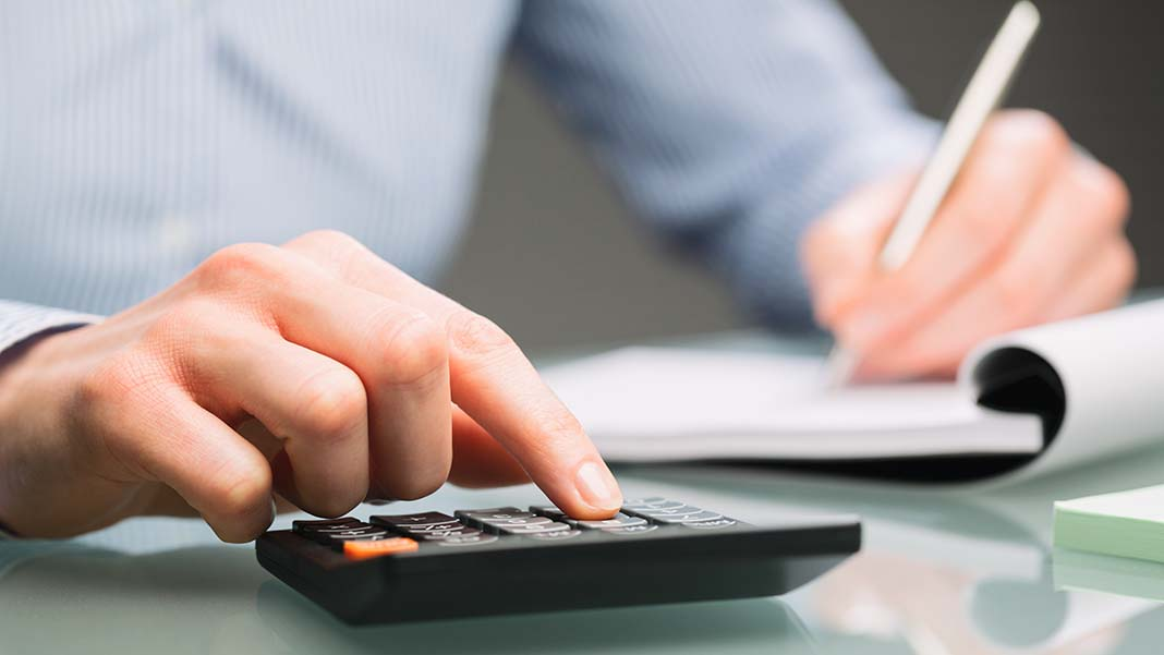 4 Warning Signs That Your Small Business Needs an Accountant
