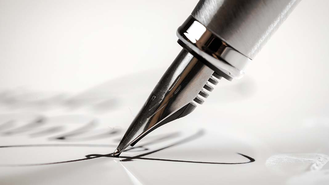 10 Questions to Ask the Franchisor Before Signing on the Dotted Line