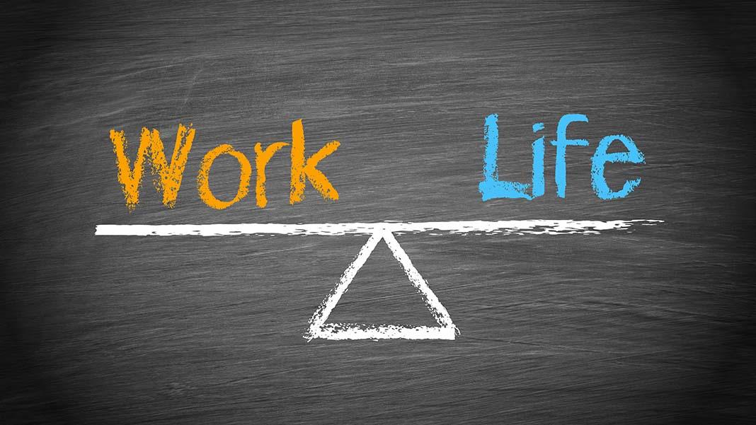 """5 Tips on Work-Life Balance for """"Homepreneurs"""""""