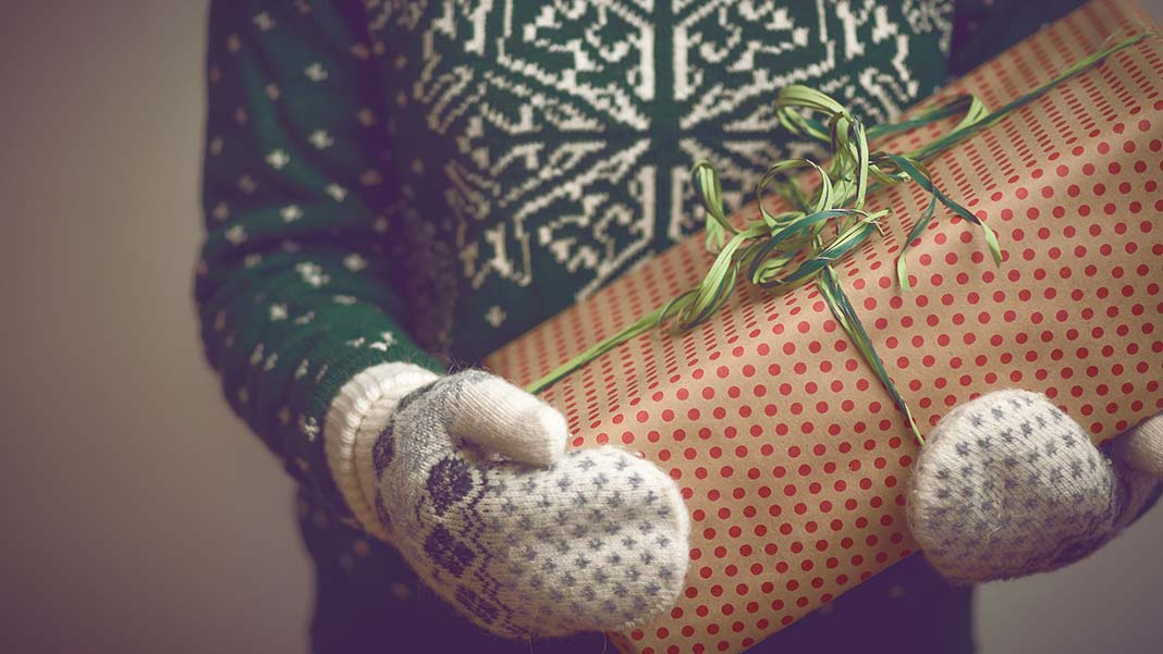 3 Ways Business Holiday Gifts Make You Smart