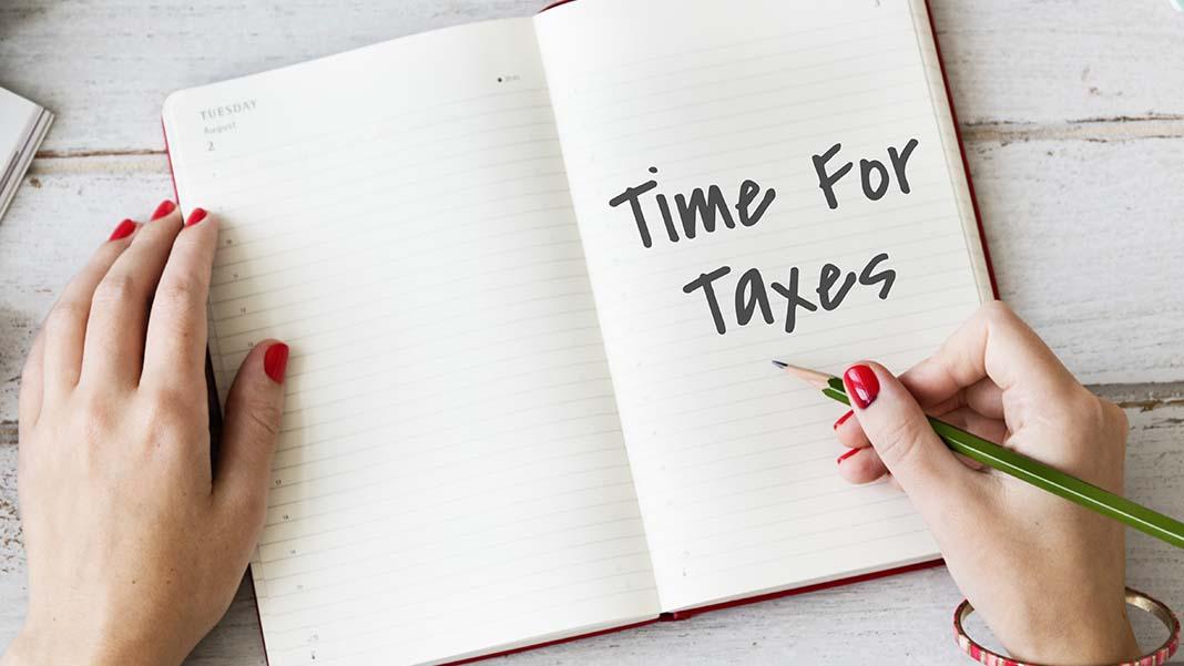 A Lowdown on the 2017 Tax Season