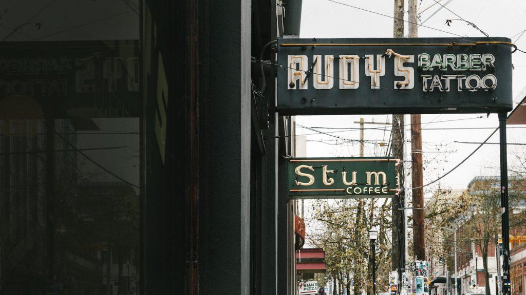 Rudys Barbershop 01