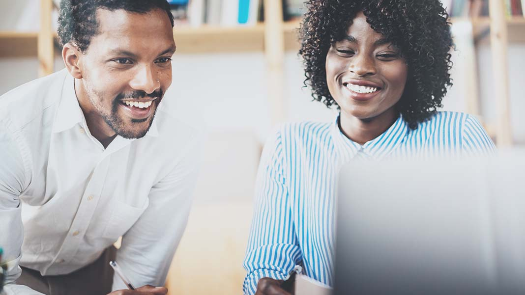 3 Biggest Benefits to Co-Working with Strangers