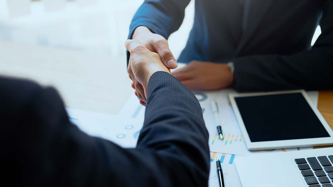 5 Things to Consider Before You Jump into a Partnership
