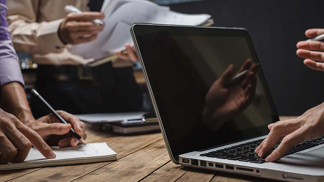 7 Legal Risks of Doing Business Online
