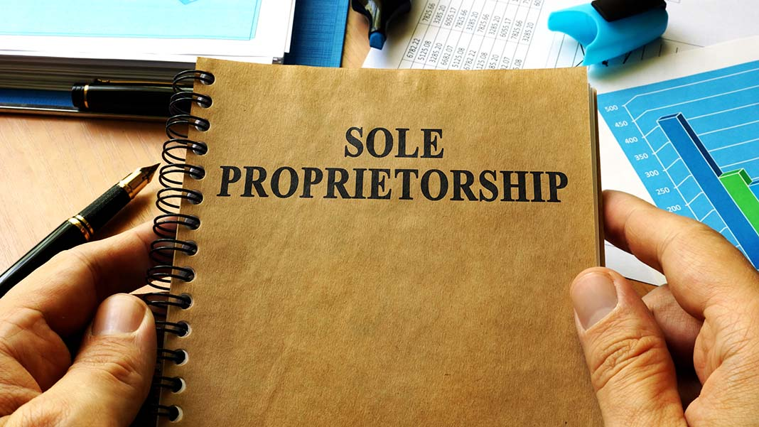 Sole Proprietor vs LLC: 7 Things You Need to Know
