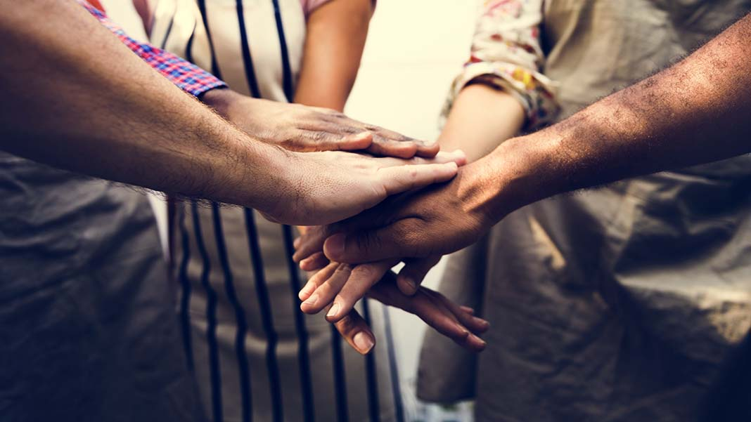 6 Ways Businesses Can Give Back to the Community