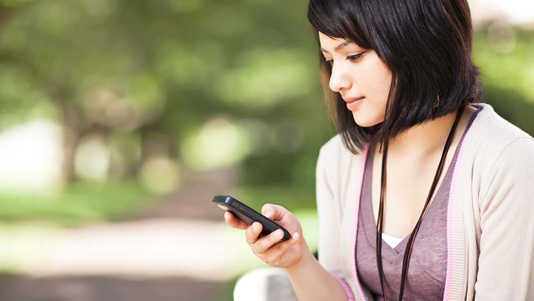 How Texting Works to Increase Business Sales