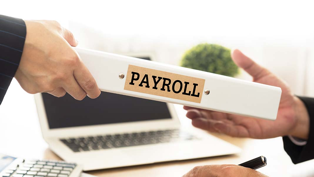 In-House HR & Payroll vs. Outsourcing: The Key Decision