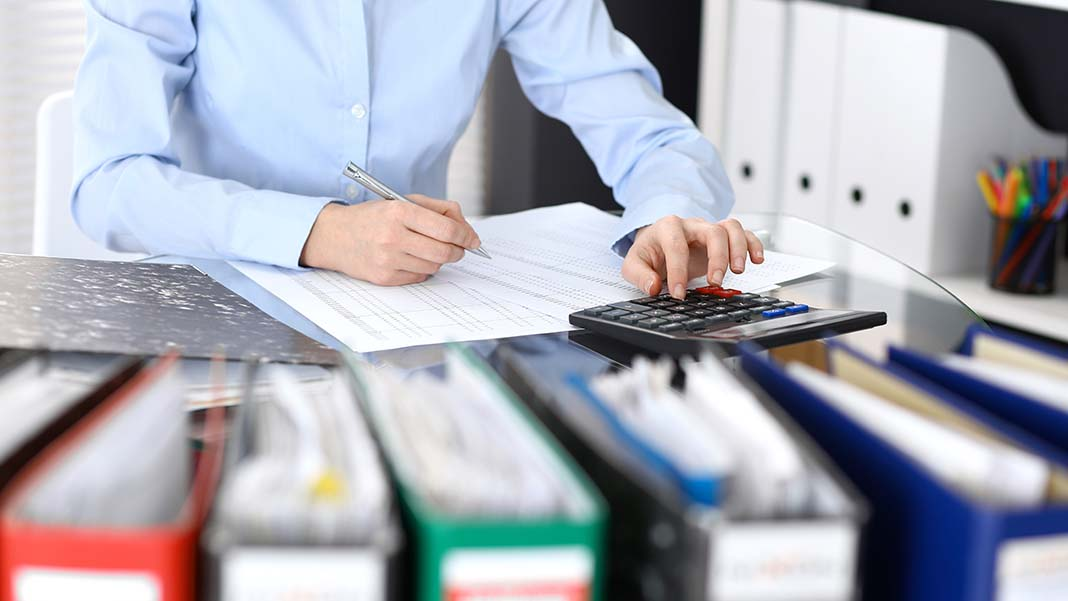 Understanding What a Bookkeeper Does