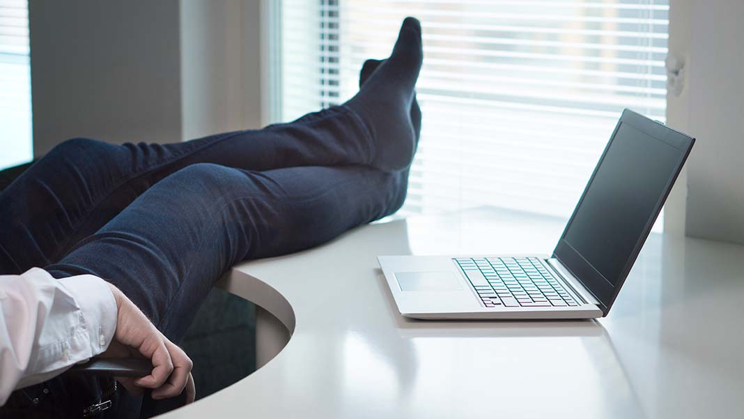 "Learning from ""Lazy"" Salespeople"