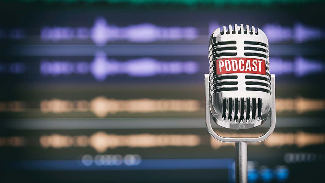 The 8 Best Business Podcasts for Entrepreneurs