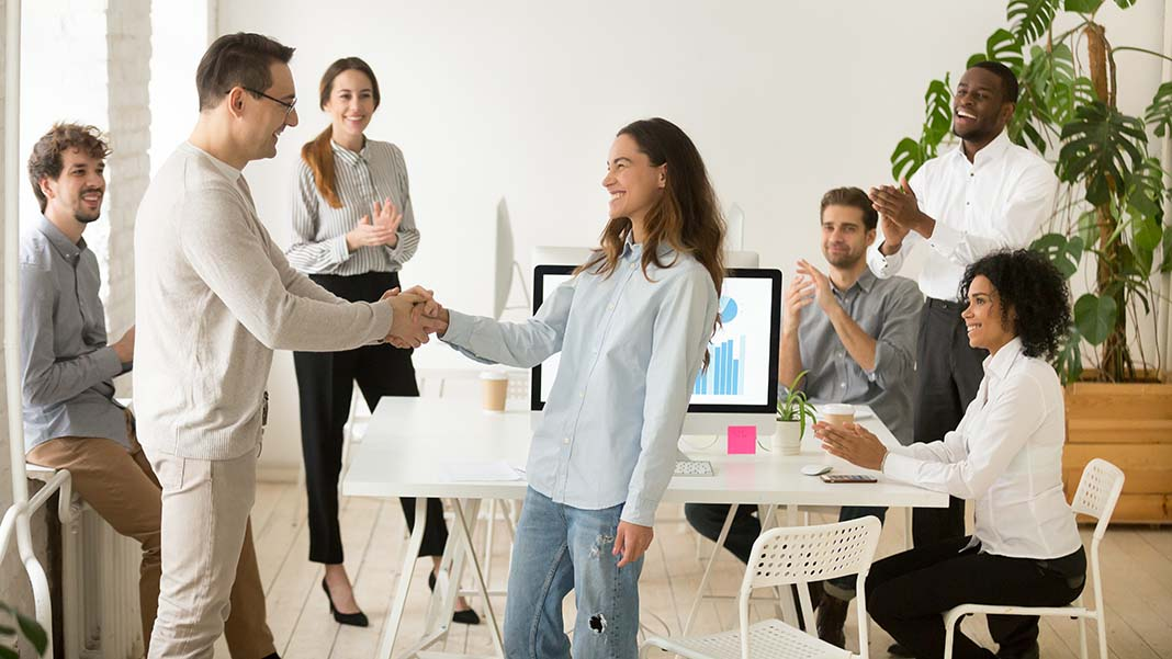 How To Effectively Reward Your Employees
