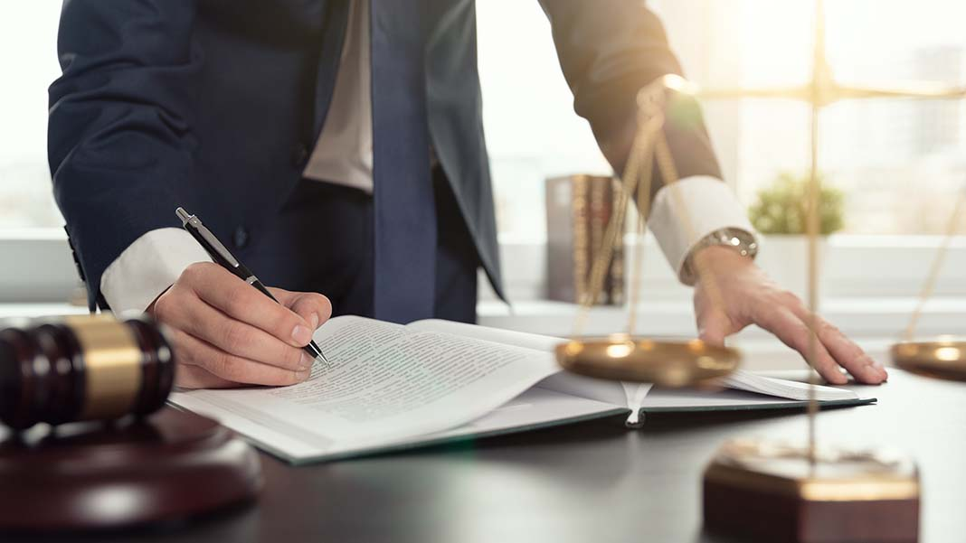 Why You Should Hire a Franchise Attorney