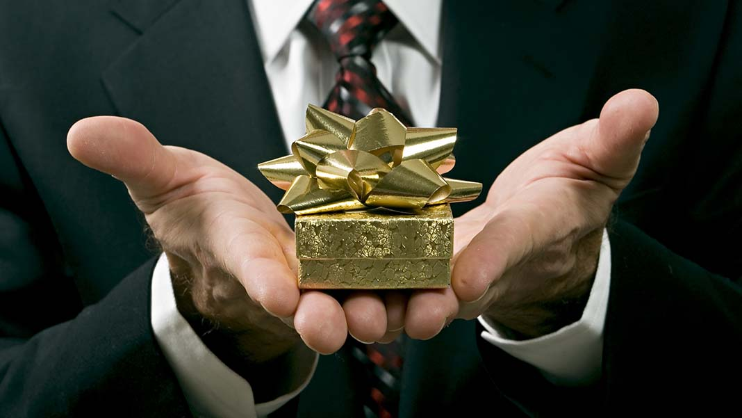 Exploring the Ethical Dilemmas of Corporate Gift Giving