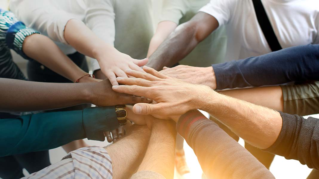 4 Innovative Alternatives to Team-Building Exercises That Stimulate Collaboration
