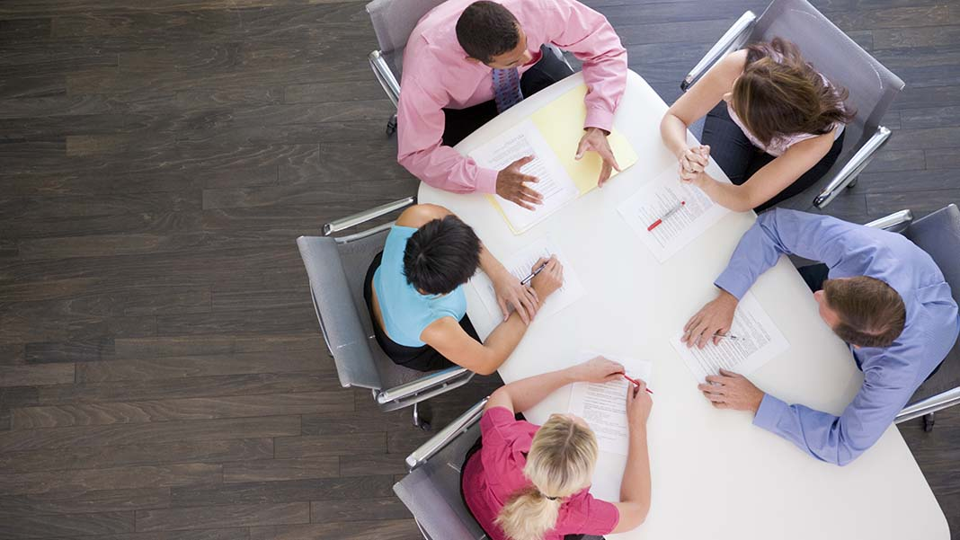 4 Tips for Creating 2-Way Dialogue with All-Hands Meetings