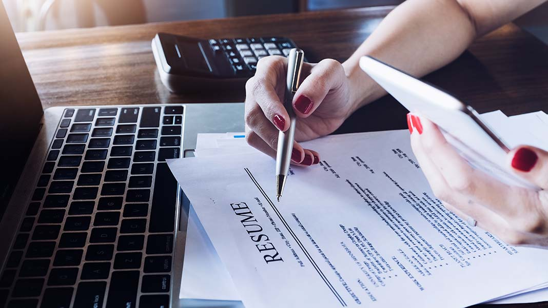 3 Big Red Flags to Watch for When Reviewing Resumes