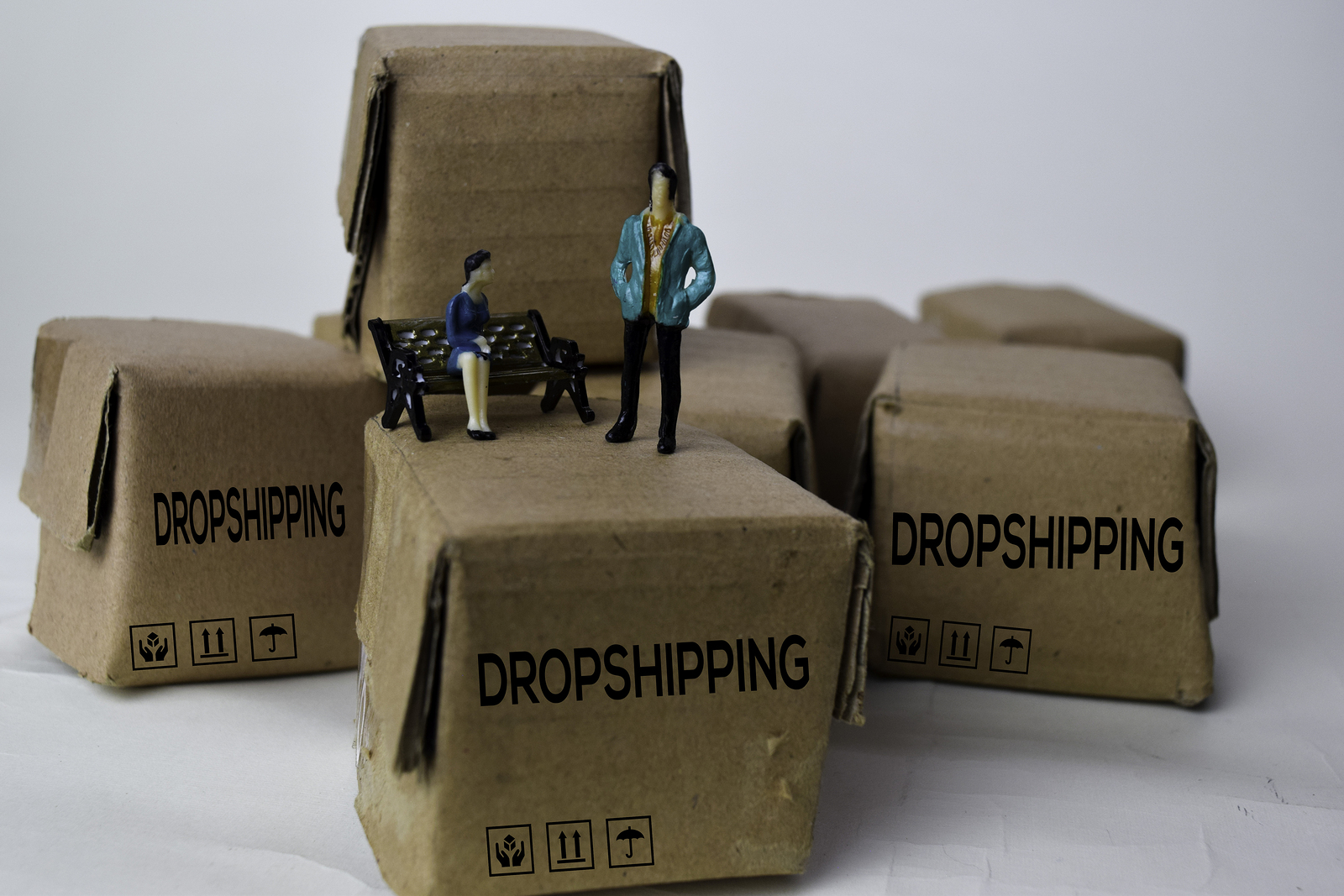 Find Your Niche in a Tough Market: How to Start a Dropshipping Business From A to Z