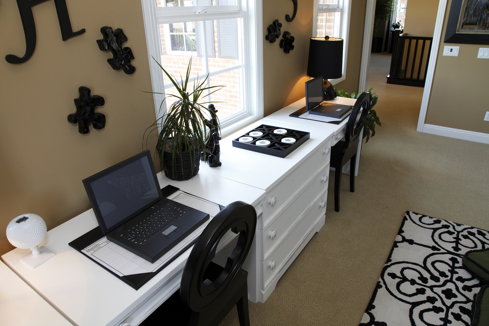 Feeling Hemmed In? Avoid These Home Office Obstacles