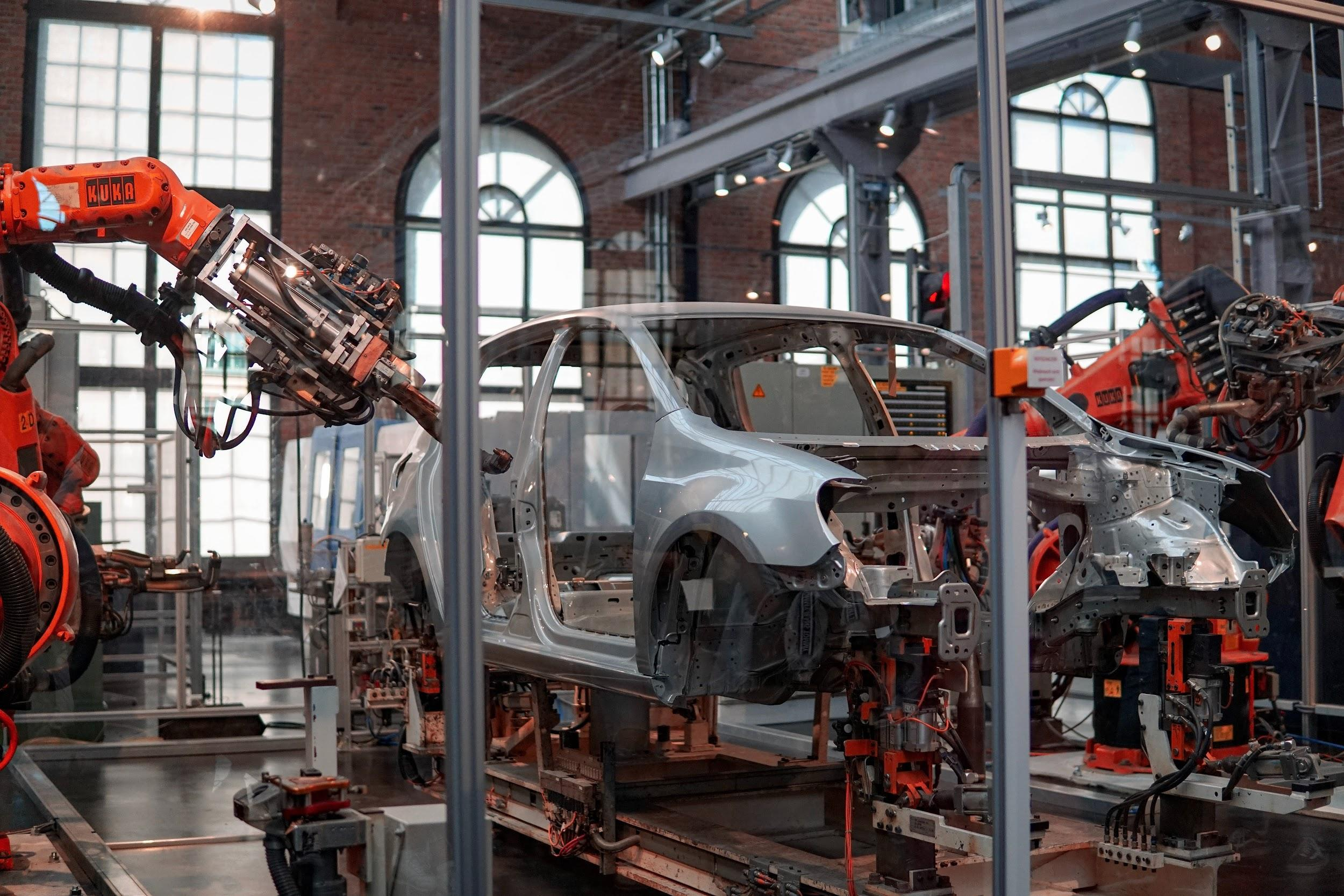 How the Tech Explosion is Challenging the Vehicle Industry