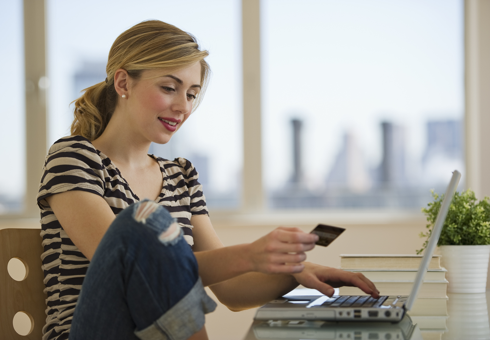 5 Questions To Ask When Applying For A Rewards Credit Card