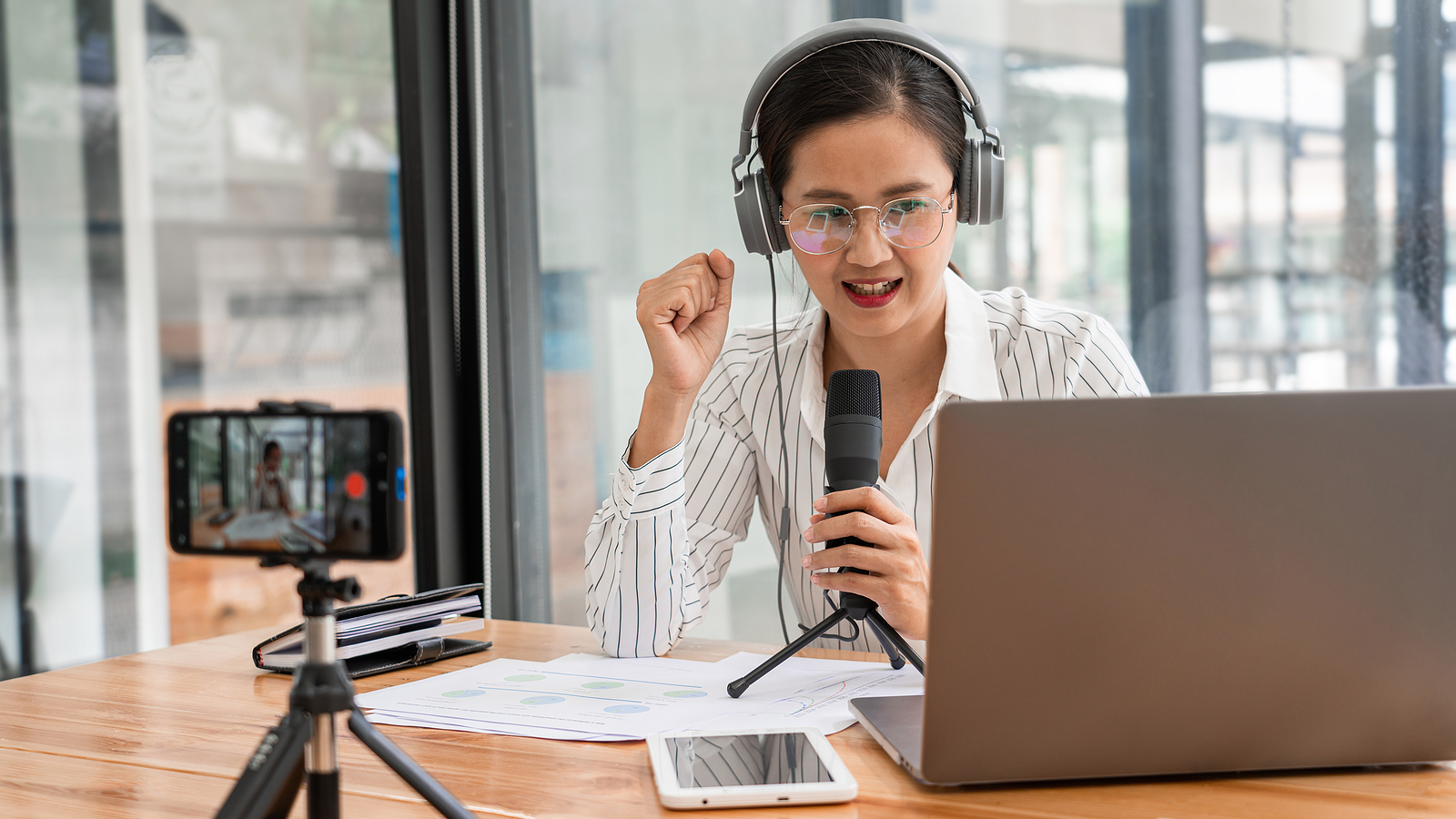 How to Create Foreign Language Voice Overs For More Successful Podcasts