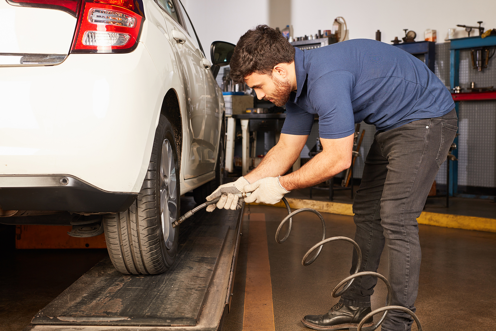 4 Ultimate Tips For Improving Your Car's Mileage