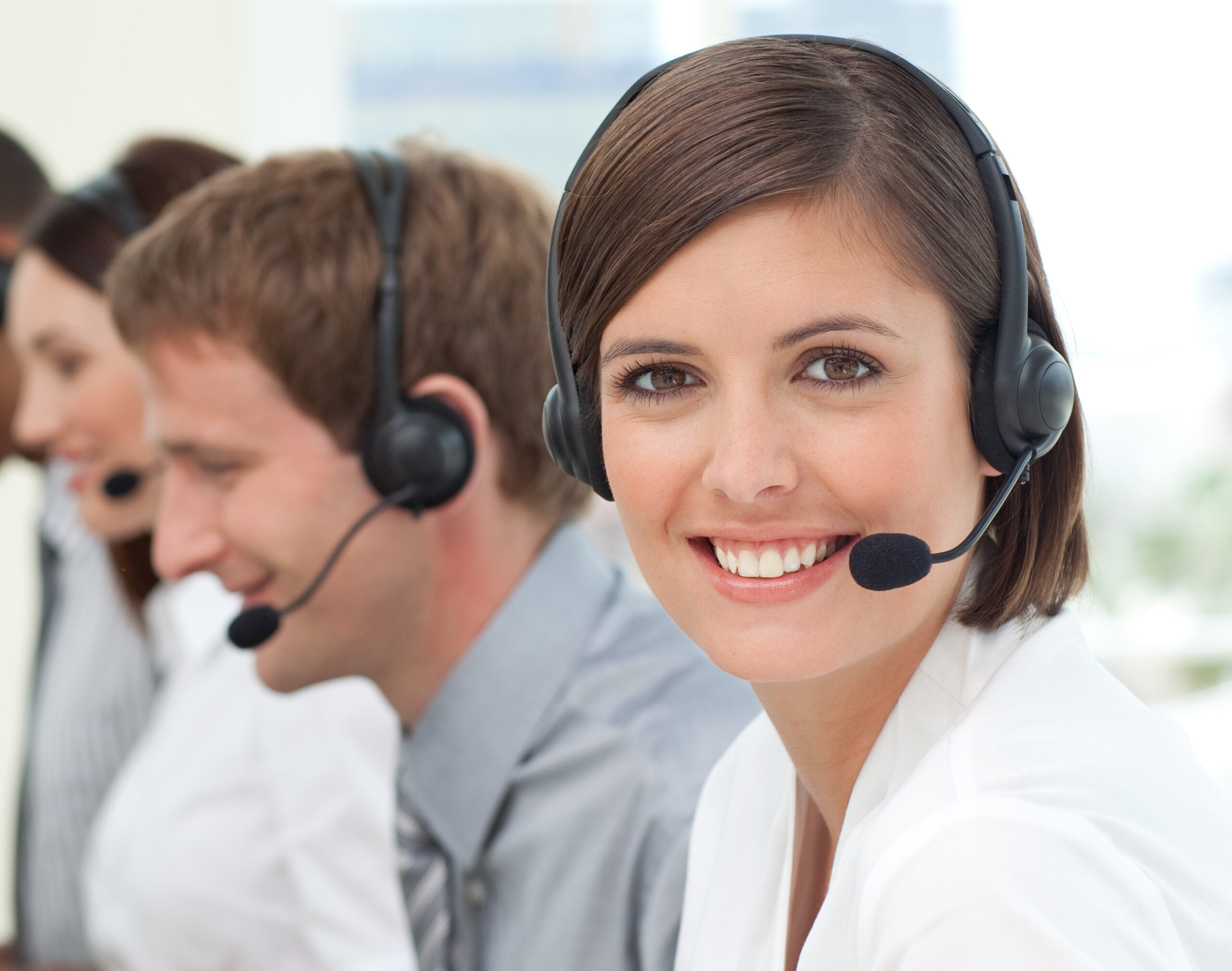 4 Ways to Improve Call Center Customer Service