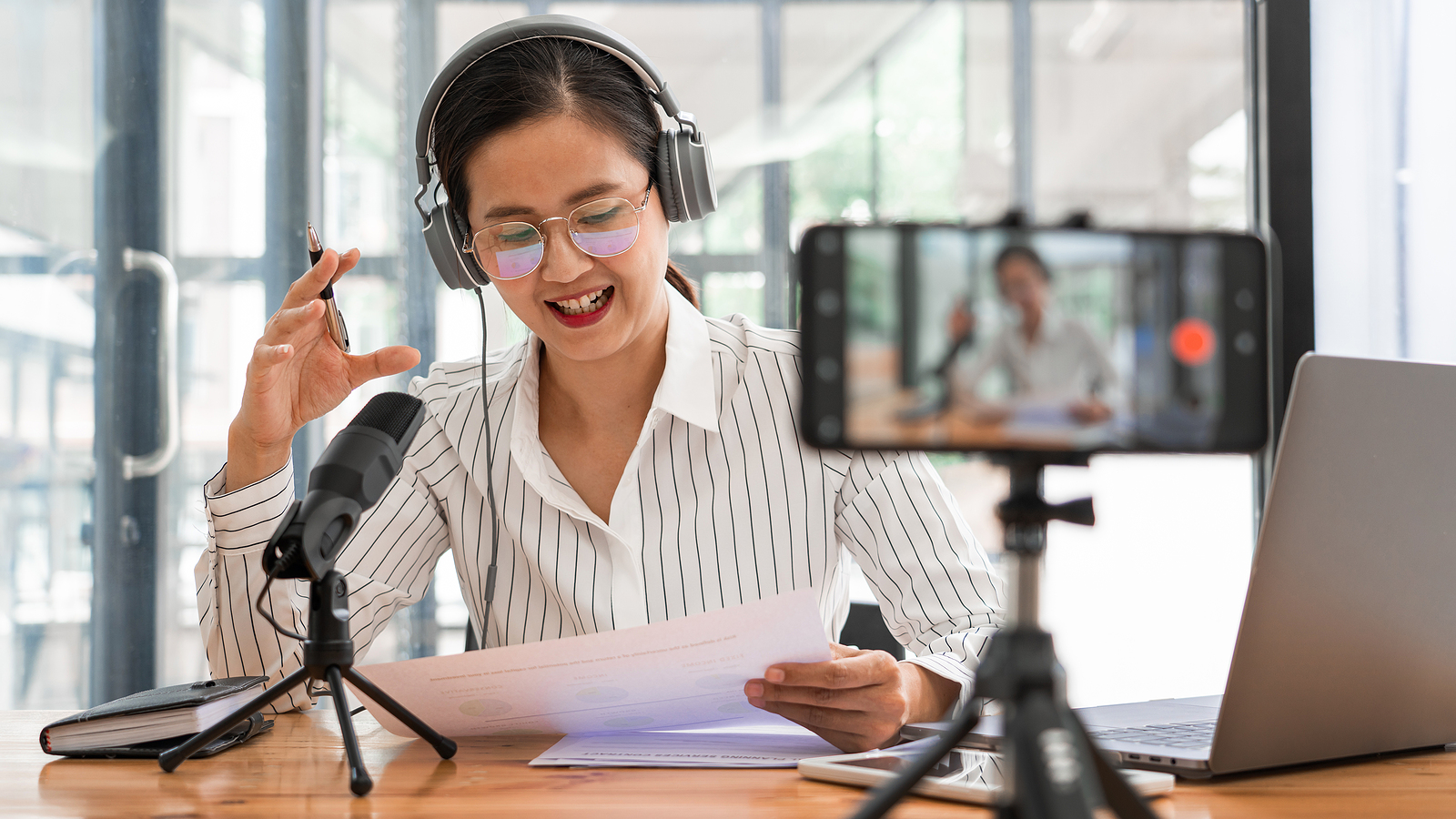 7 Tips to Increase Your Podcast's Reach in 2021