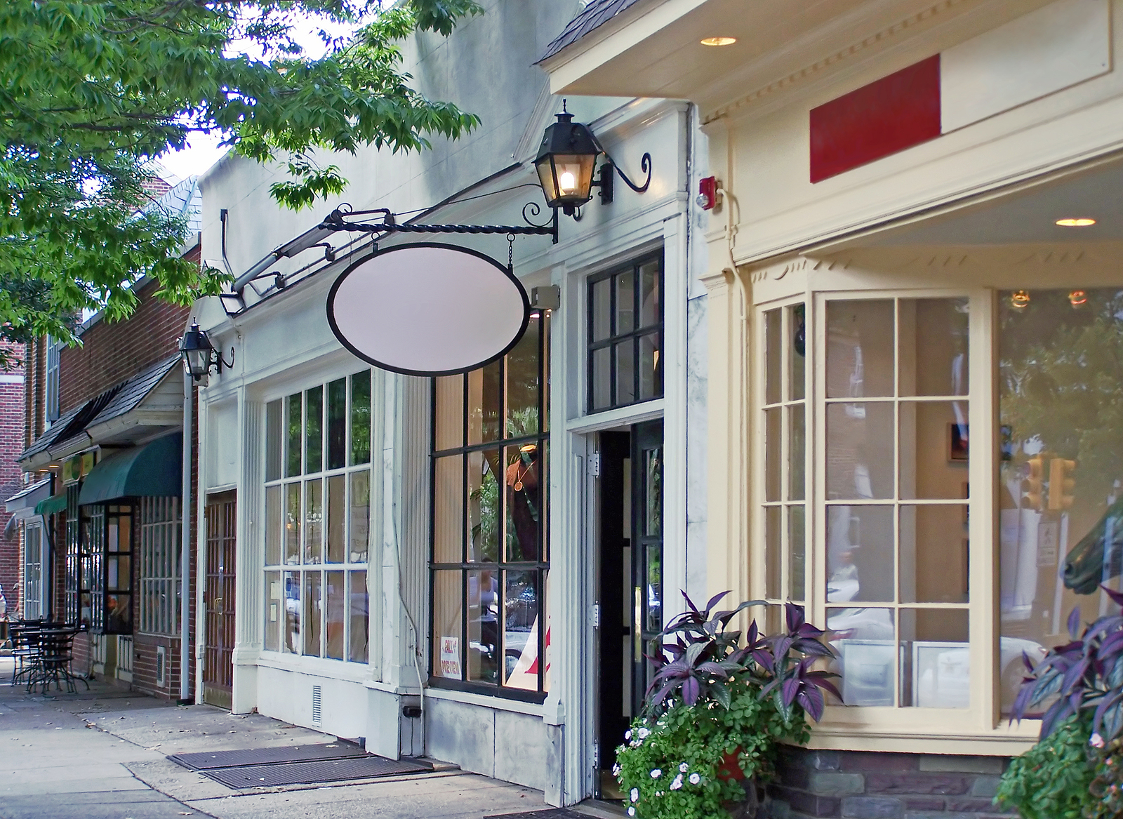 Renting Storefront or Office Space? 8 Pros & Cons