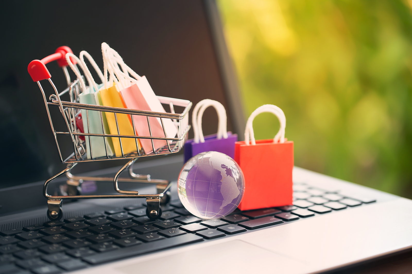 How Can Your Small Business Benefit From eCommerce?