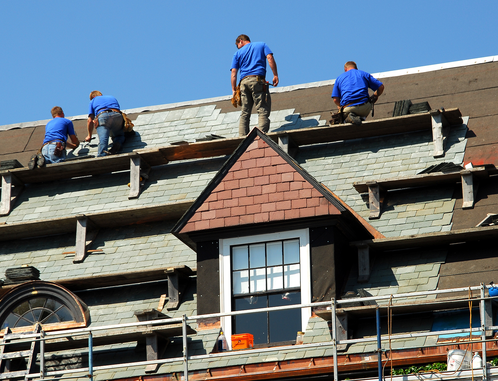 Easy Ways to Make Your Roofing Business Stand Out
