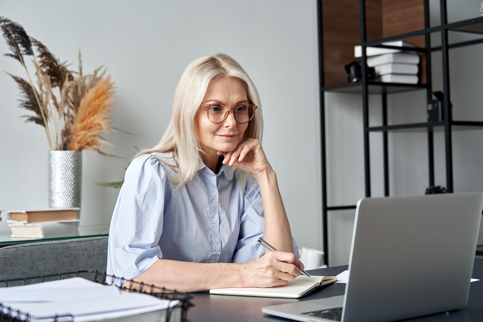 Understanding the Benefits of Online Learning vs Onsite